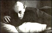 TINTA ROJA: El Vampiro y su presencia en la Literatura.